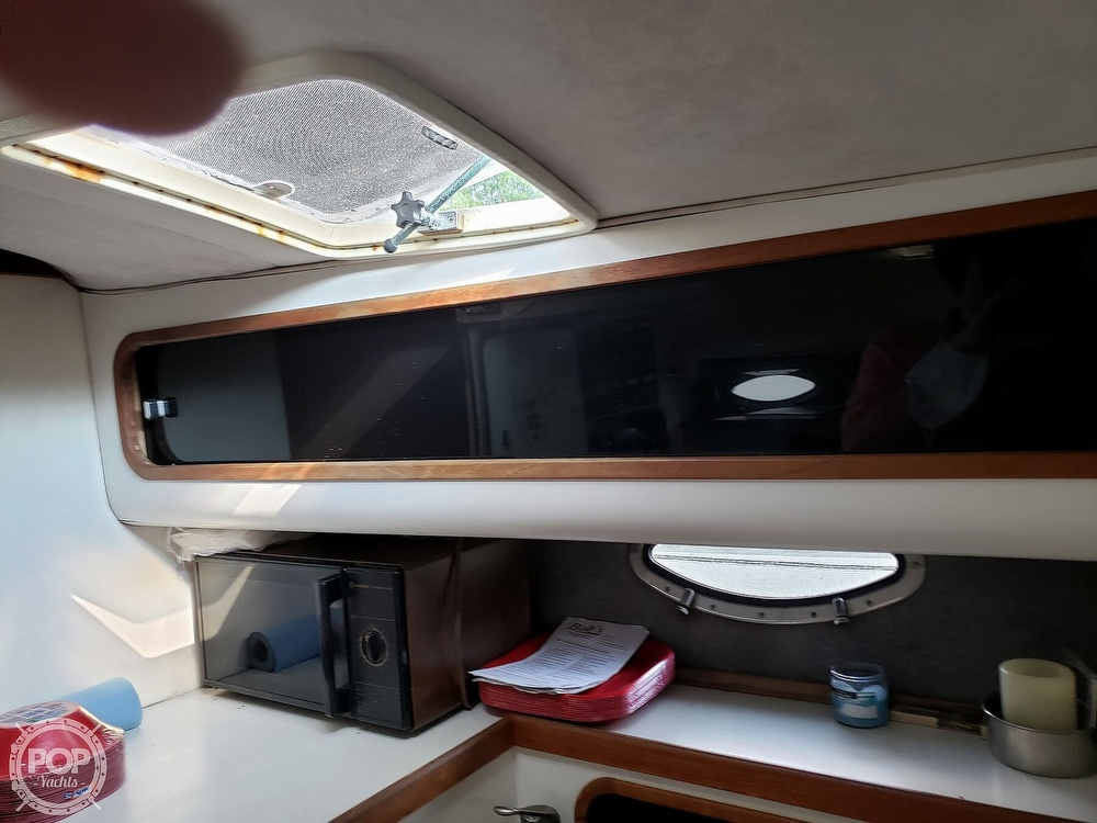 1988 Tiara Yachts boat for sale, model of the boat is 3100 & Image # 39 of 40