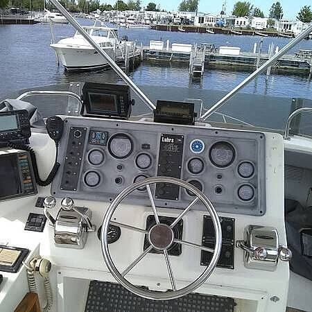 1989 Luhrs boat for sale, model of the boat is 342 Tournament Sportfish & Image # 2 of 9