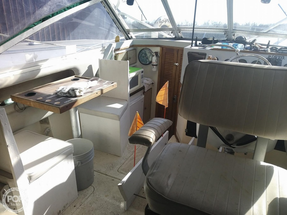 1988 Phoenix boat for sale, model of the boat is 28 Custom & Image # 10 of 25