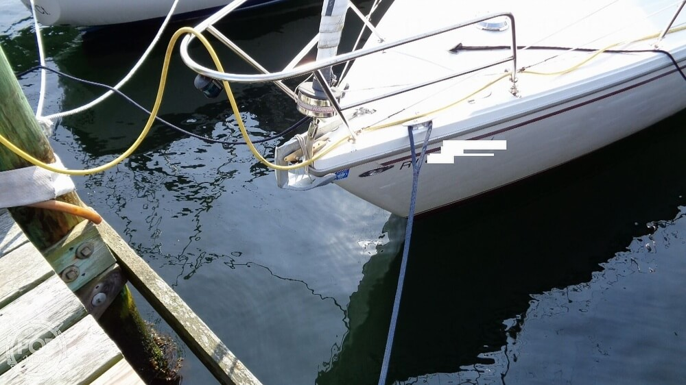 1980 Catalina Yachts boat for sale, model of the boat is 30 & Image # 7 of 40