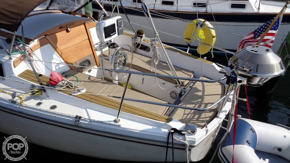 1980 Catalina Yachts boat for sale, model of the boat is 30 & Image # 10 of 40