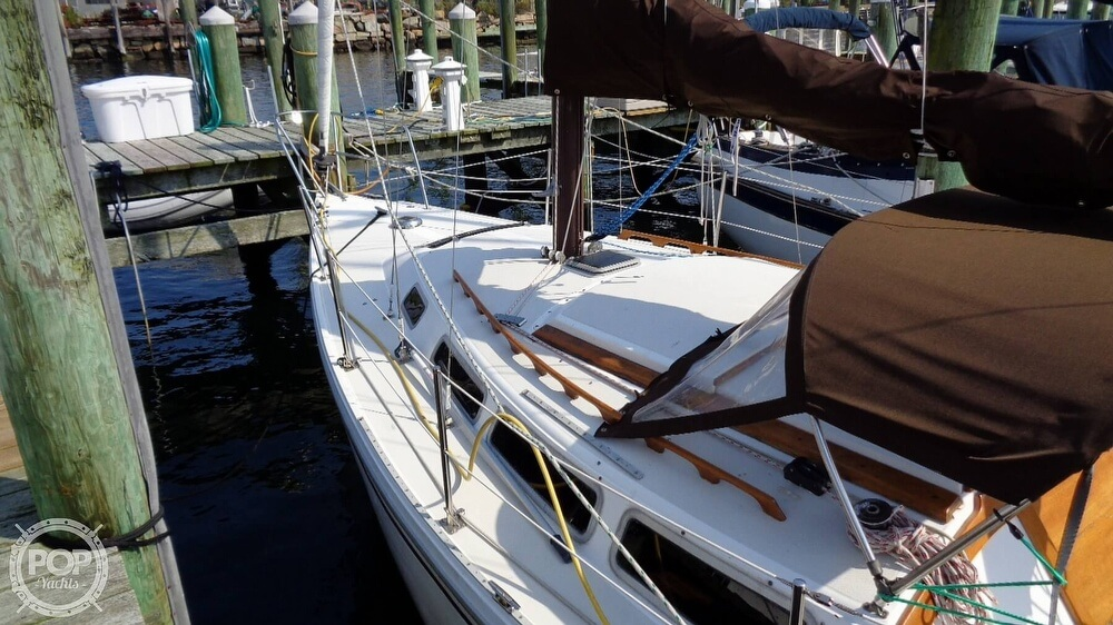 1980 Catalina Yachts boat for sale, model of the boat is 30 & Image # 25 of 40