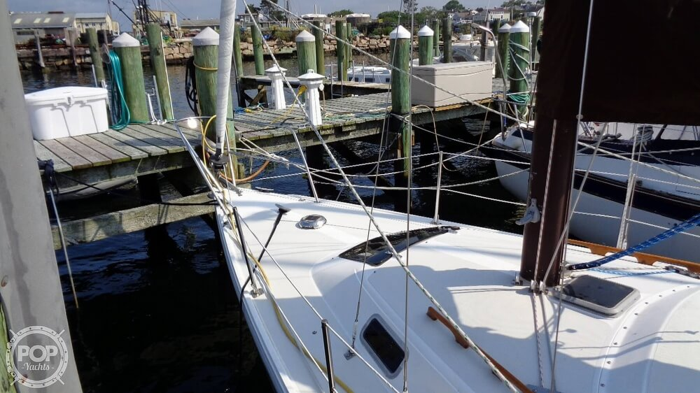 1980 Catalina Yachts boat for sale, model of the boat is 30 & Image # 29 of 40