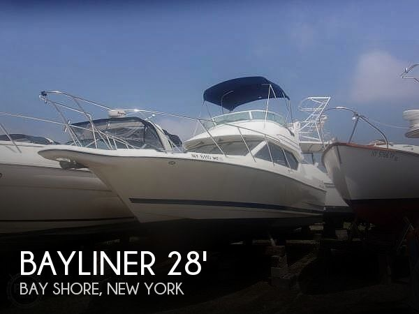 Used Bayliner Boats For Sale in New York by owner | 2006 Bayliner 288 Command Bridge