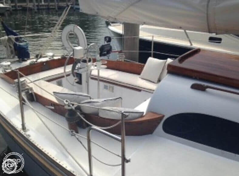 1964 Le Comte boat for sale, model of the boat is 33 Medalist & Image # 11 of 22