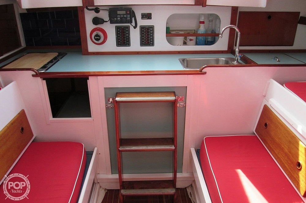 1964 Le Comte boat for sale, model of the boat is 33 Medalist & Image # 12 of 22