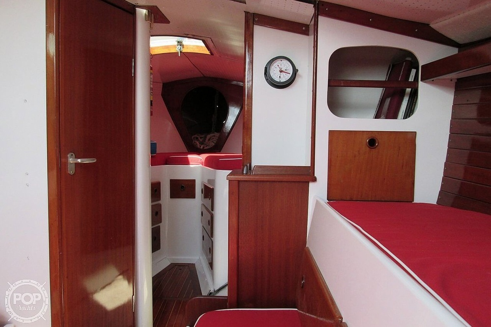 1964 Le Comte boat for sale, model of the boat is 33 Medalist & Image # 7 of 22