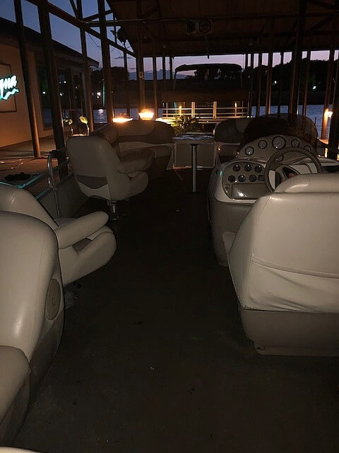 2001 Sun Tracker boat for sale, model of the boat is 27 Party Barge & Image # 16 of 33
