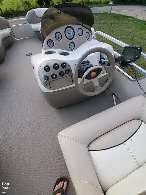 2001 Sun Tracker 27 Party Barge - #$LI_INDEX