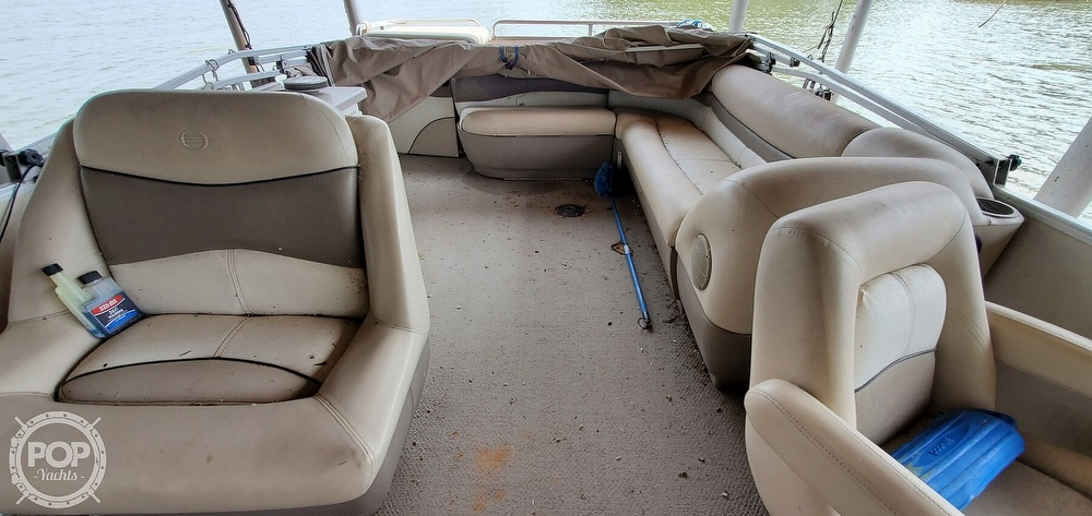 2001 Sun Tracker boat for sale, model of the boat is 27 Party Barge & Image # 19 of 40