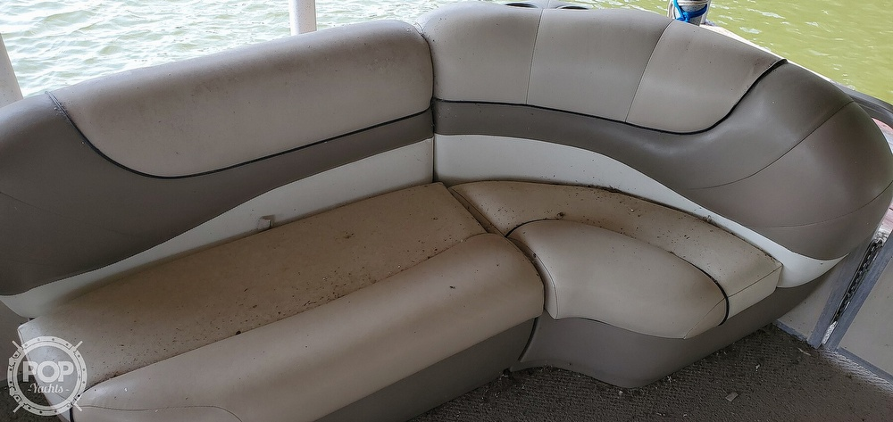 2001 Sun Tracker boat for sale, model of the boat is 27 Party Barge & Image # 22 of 40