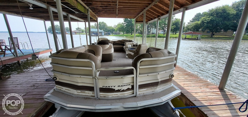 2001 Sun Tracker boat for sale, model of the boat is 27 Party Barge & Image # 3 of 40