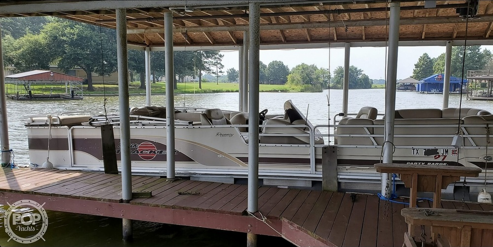 2001 Sun Tracker boat for sale, model of the boat is 27 Party Barge & Image # 2 of 40