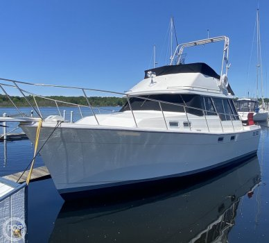 Bayliner 3288 Motor Yacht, 3288, for sale - $42,000