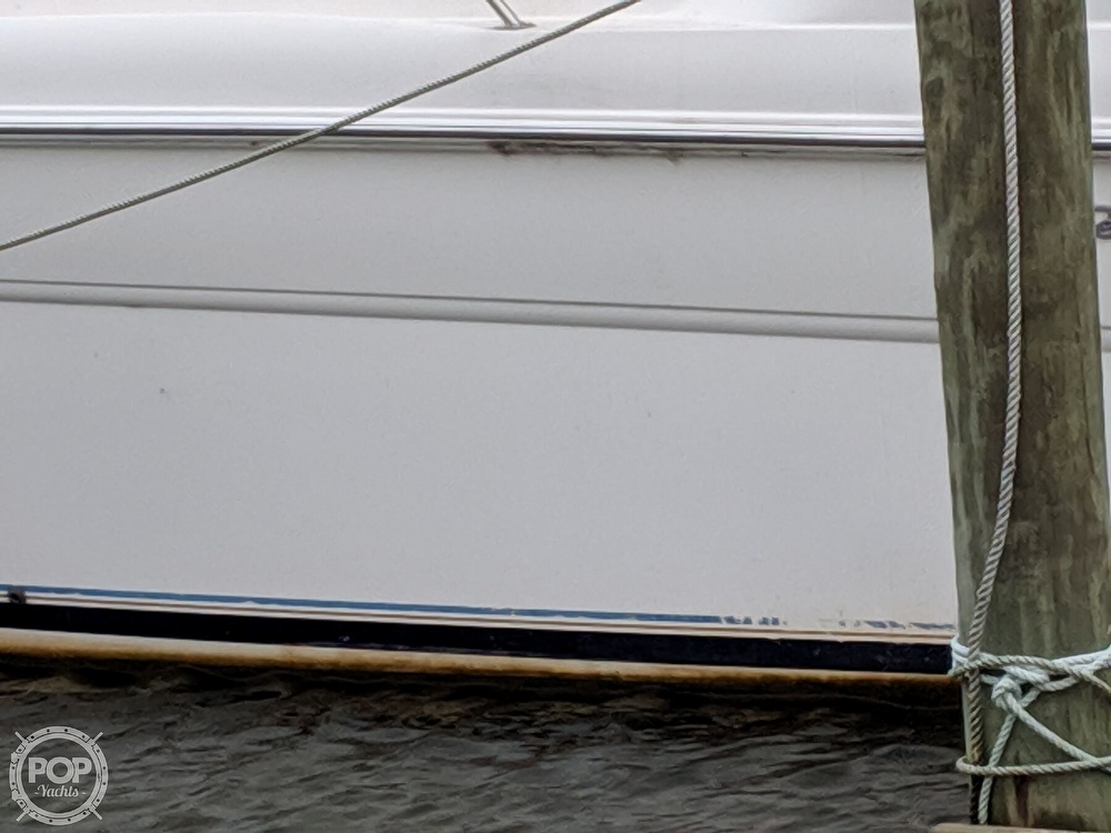 1998 Sea Ray boat for sale, model of the boat is 270 Sundancer & Image # 9 of 40