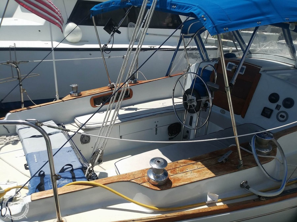 1976 Pearson boat for sale, model of the boat is 39 & Image # 16 of 40