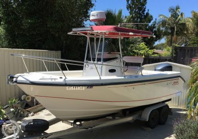 Boston Whaler Outrage 230, 22', for sale - $45,500