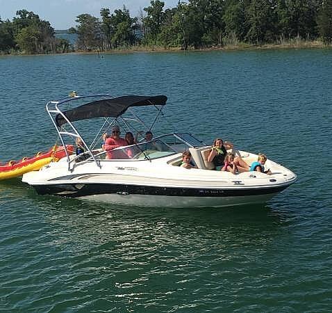 2002 Sea Ray 220 Sun Deck - #$LI_INDEX