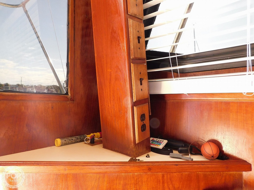 1987 Egg Harbor boat for sale, model of the boat is 37 Convertible & Image # 18 of 40