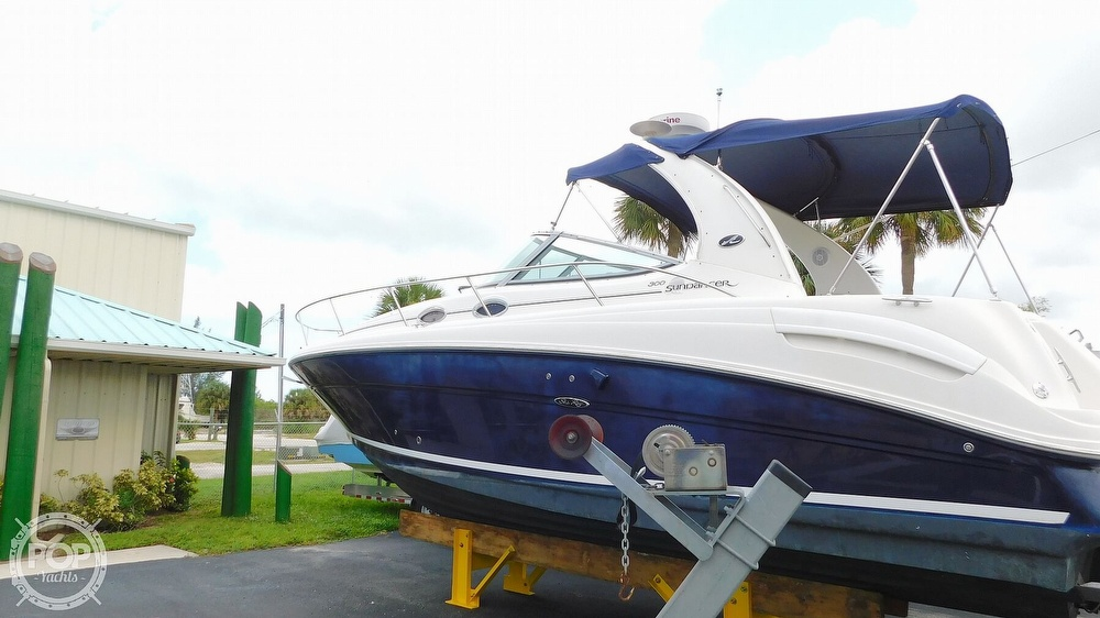 2005 Sea Ray boat for sale, model of the boat is 300 Sundancer & Image # 2 of 40
