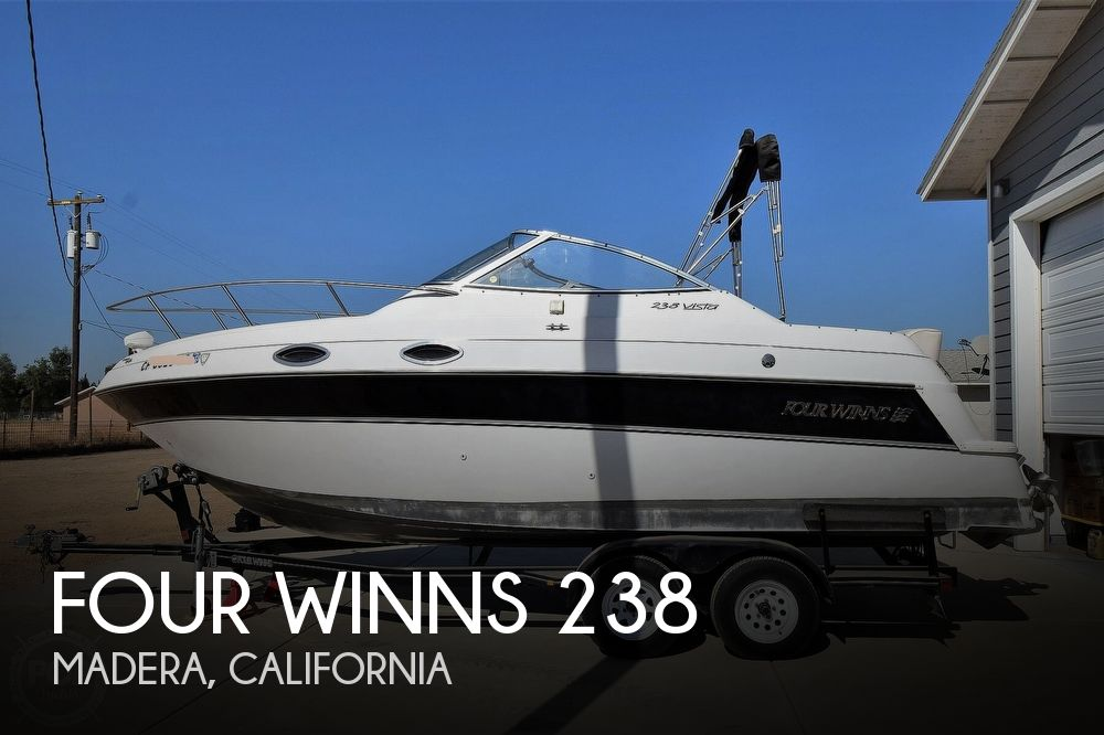 2000 Four Winns 238 Vista