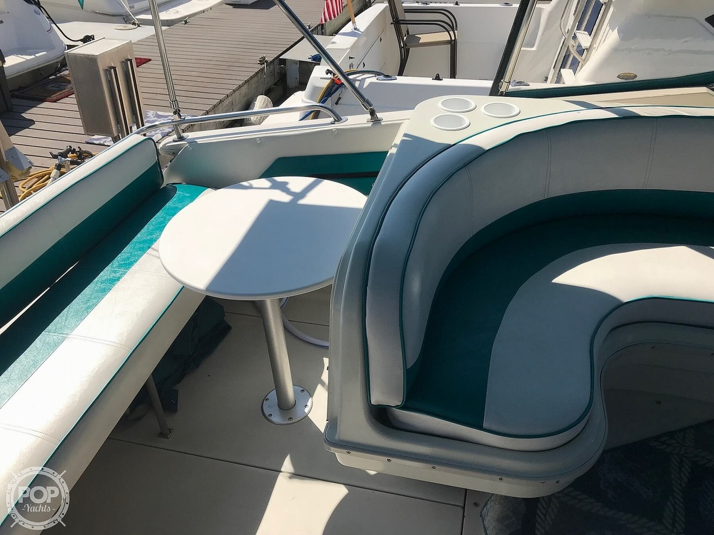 1989 Wellcraft boat for sale, model of the boat is Monaco 3000 & Image # 4 of 40