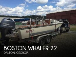 1984 Boston Whaler Outrage 22 Cuddy