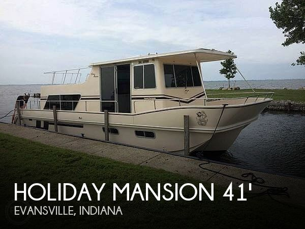 Used Holiday Mansion Houseboats For Sale in Indiana by owner | 1988 Holiday Mansion Coastal Barracuda 38