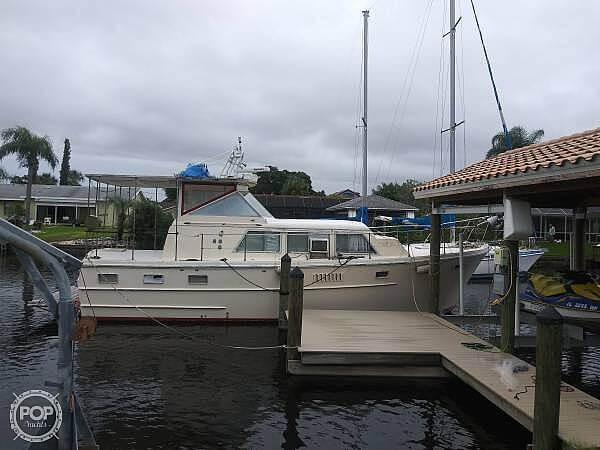 1968 Avenger boat for sale, model of the boat is 39 & Image # 5 of 40