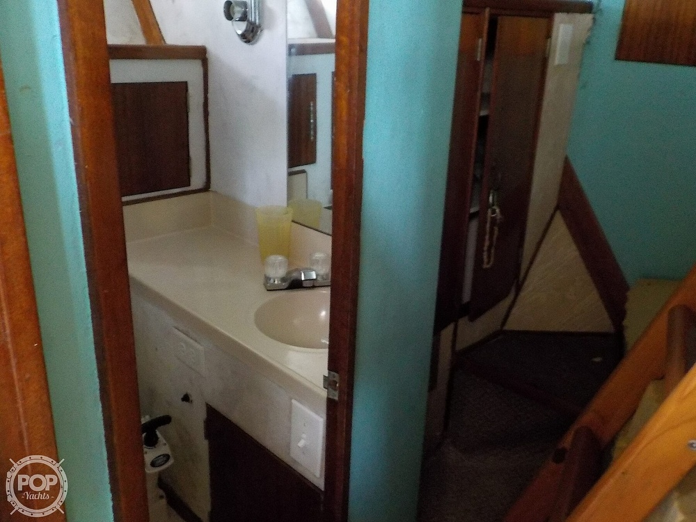 1968 Avenger boat for sale, model of the boat is 39 & Image # 22 of 40