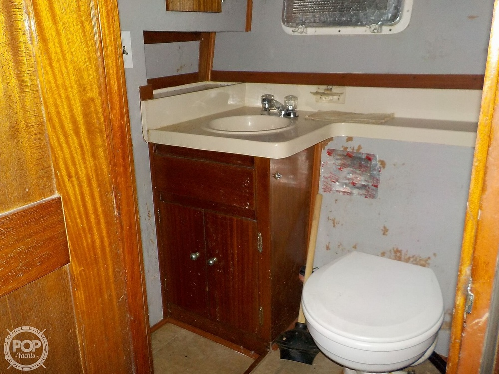 1968 Avenger boat for sale, model of the boat is 39 & Image # 26 of 40