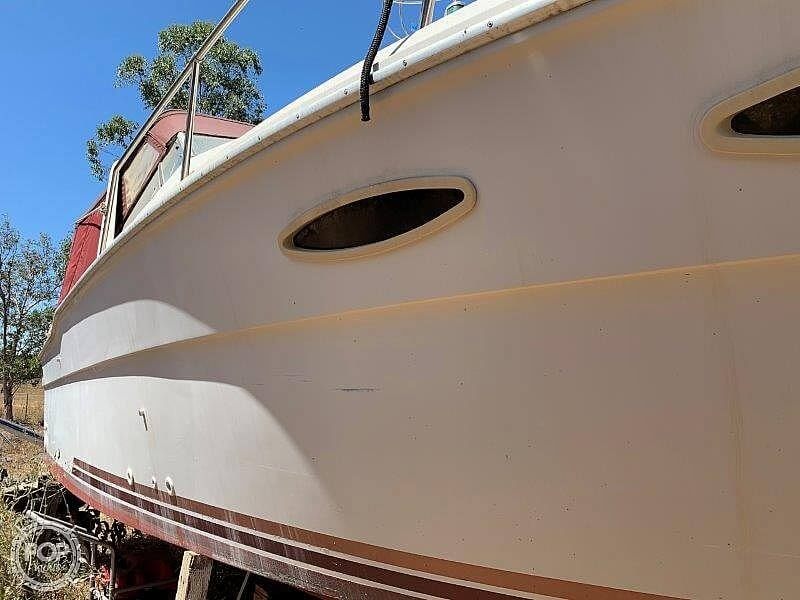 1988 Sea Ray boat for sale, model of the boat is 300 Weekender & Image # 7 of 40