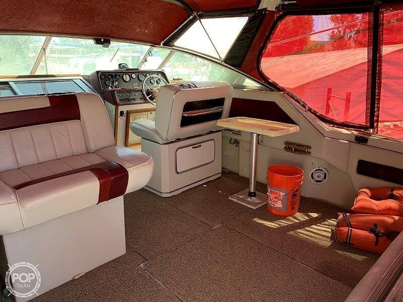 1988 Sea Ray boat for sale, model of the boat is 300 Weekender & Image # 24 of 40