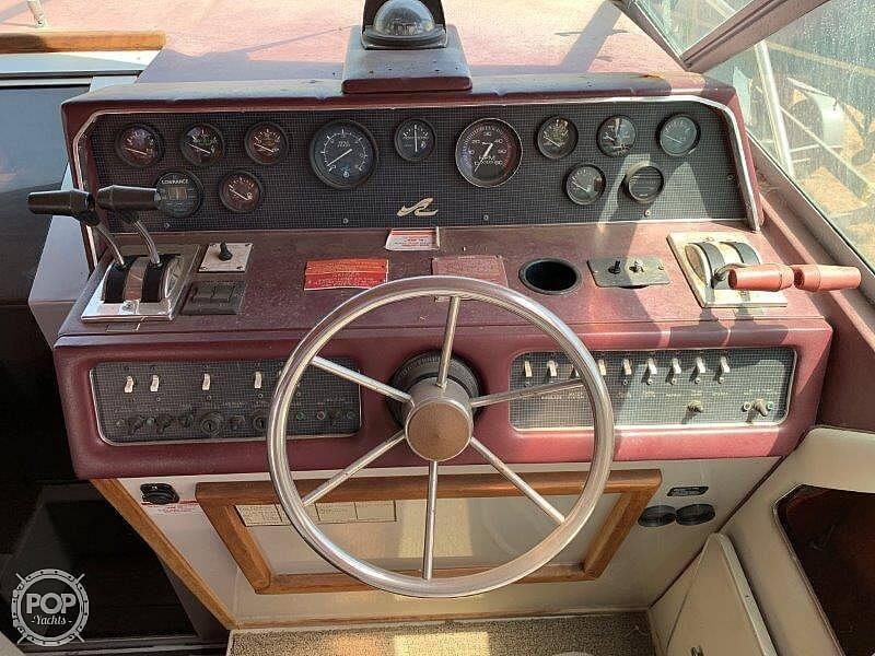 1988 Sea Ray boat for sale, model of the boat is 300 Weekender & Image # 38 of 40