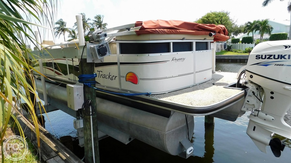 2008 Sun Tracker boat for sale, model of the boat is 22 Party Barge Regency Edition & Image # 3 of 41