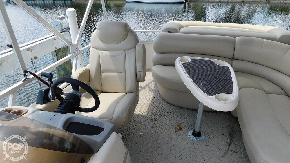 2008 Sun Tracker boat for sale, model of the boat is 22 Party Barge Regency Edition & Image # 27 of 41