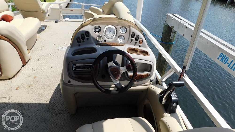 2008 Sun Tracker boat for sale, model of the boat is 22 Party Barge Regency Edition & Image # 31 of 41