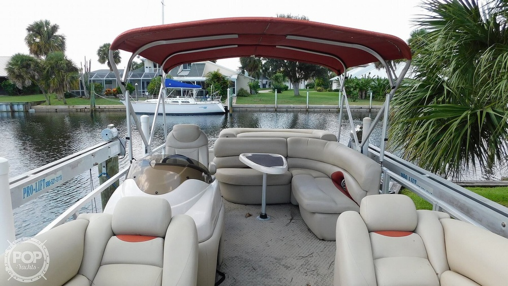 2008 Sun Tracker boat for sale, model of the boat is 22 Party Barge Regency Edition & Image # 33 of 41