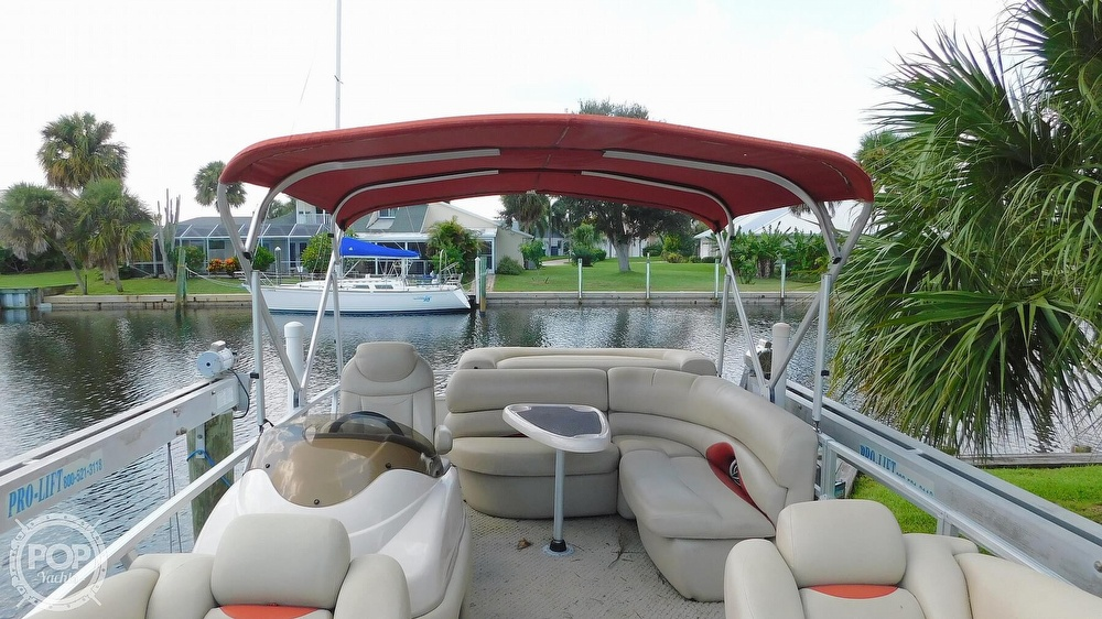 2008 Sun Tracker boat for sale, model of the boat is 22 Party Barge Regency Edition & Image # 35 of 41