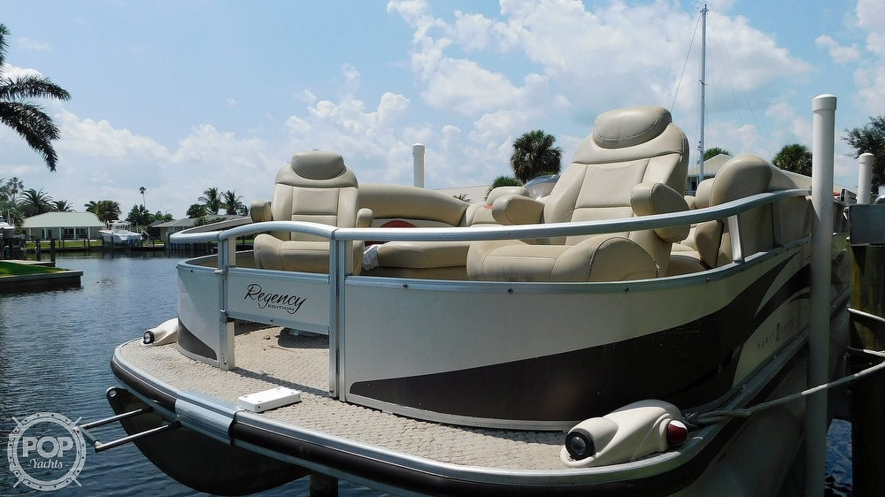 2008 Sun Tracker boat for sale, model of the boat is 22 Party Barge Regency Edition & Image # 6 of 41
