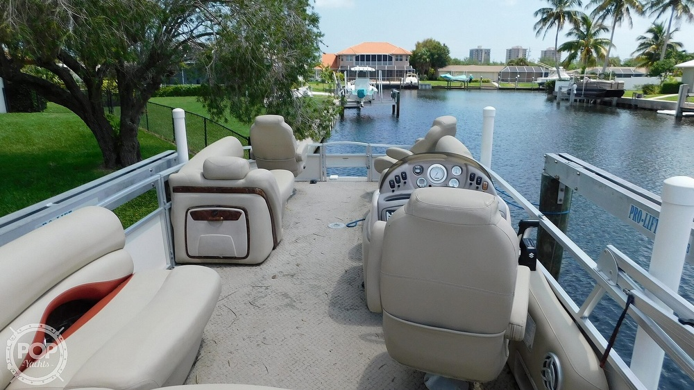 2008 Sun Tracker boat for sale, model of the boat is 22 Party Barge Regency Edition & Image # 13 of 41