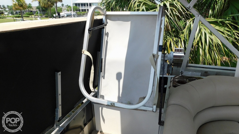 2008 Sun Tracker boat for sale, model of the boat is 22 Party Barge Regency Edition & Image # 22 of 41