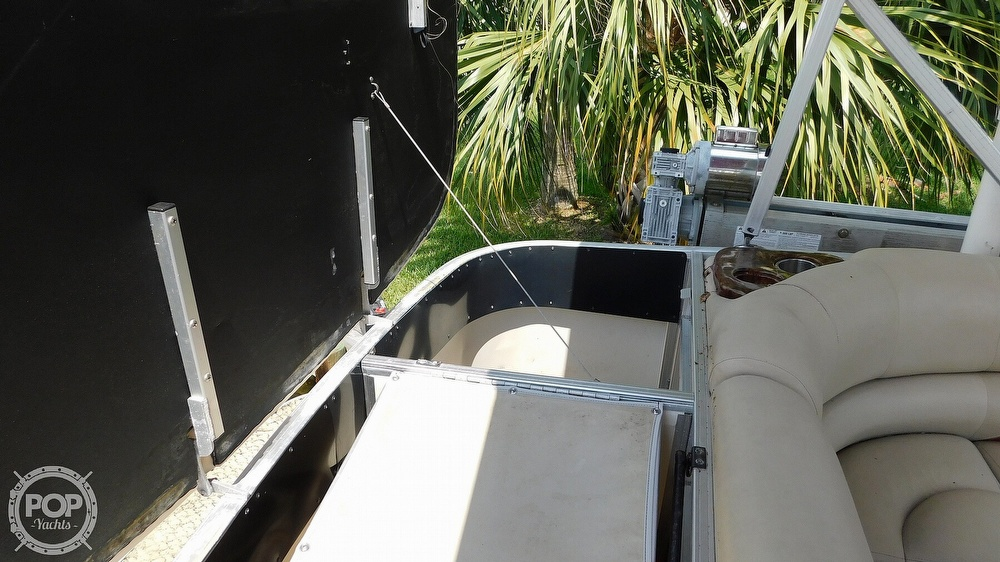 2008 Sun Tracker boat for sale, model of the boat is 22 Party Barge Regency Edition & Image # 23 of 41