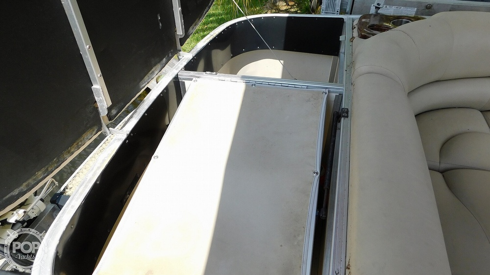 2008 Sun Tracker boat for sale, model of the boat is 22 Party Barge Regency Edition & Image # 24 of 41