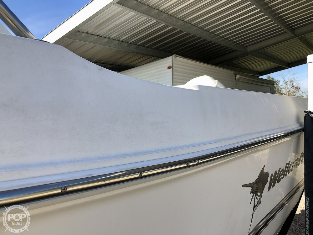 2002 Wellcraft boat for sale, model of the boat is 24 Walkaround & Image # 25 of 40