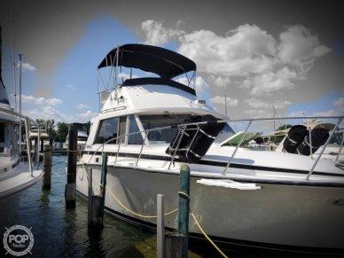 Bertram 33 Flybridge Cruiser, 33', for sale - $27,250