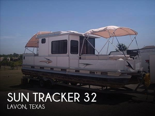 Used Pontoon Boats For Sale in Texas by owner | 2002 Tracker 32