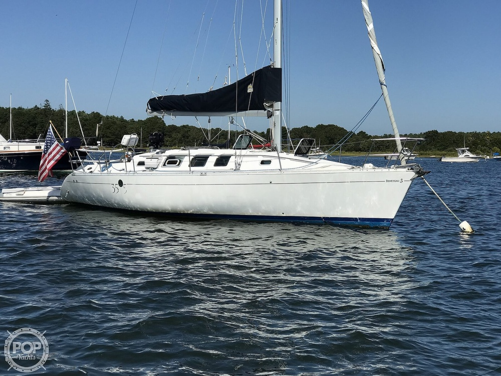 1989 Beneteau boat for sale, model of the boat is First 35s5 & Image # 6 of 40