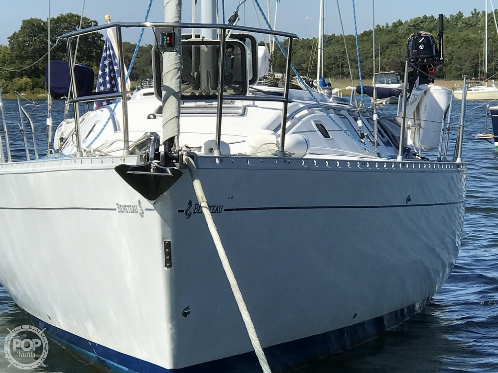 1989 Beneteau boat for sale, model of the boat is First 35s5 & Image # 7 of 40