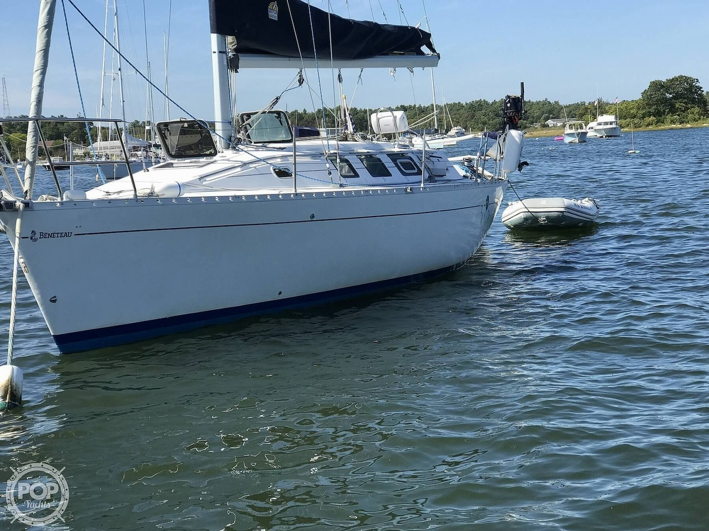 1989 Beneteau boat for sale, model of the boat is First 35s5 & Image # 8 of 40